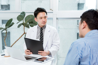 man consulting to the psychometrician