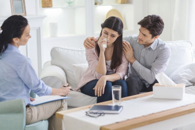 couple consulting to psychologist